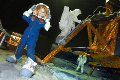 Maanwandeling in de Space Expo